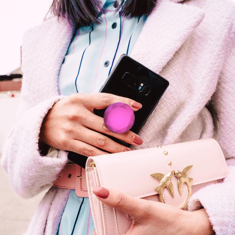 Smartphone mit Popsocket
